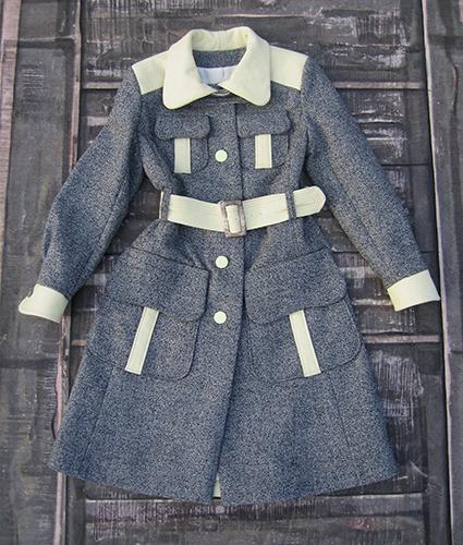Manteau en laine à détails contrastants