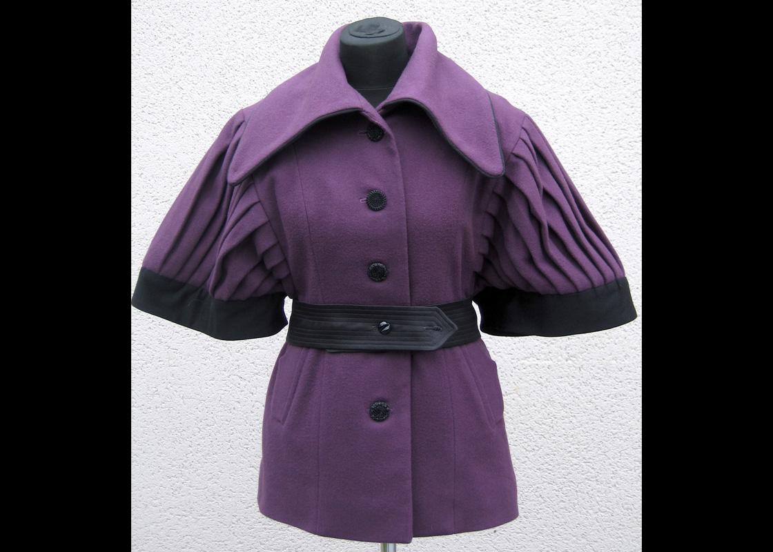 Manteau en laine à manches plissées
